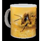 Häferl mit Biene